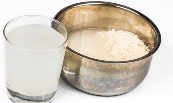 Air beras dapat digunakan untuk memutihkan wajah