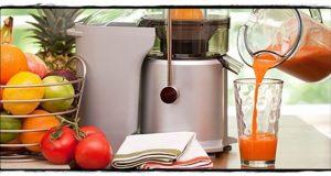 Membuat jus buah untuk menurunkan berat badan