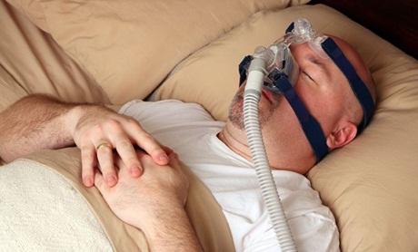 Gunakan masker saat tidur untuk mengatasi sleep apnea