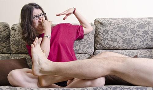 Cara mengatasi bau kaki tidak sedap secara alami